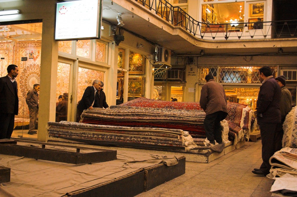 Bazar dei tappeti persiani a Tehran (Iran)