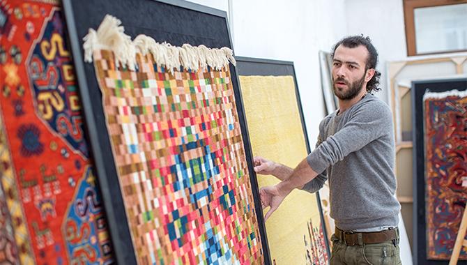 mostra tappeti moderni dell'artista Faig Ahmed