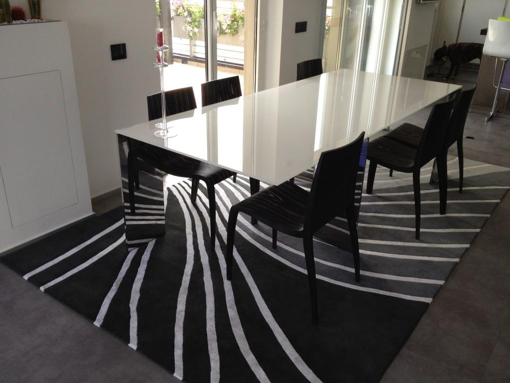 Tappeto moderno personalizzato missione compiuta il - Conforama tappeti ...