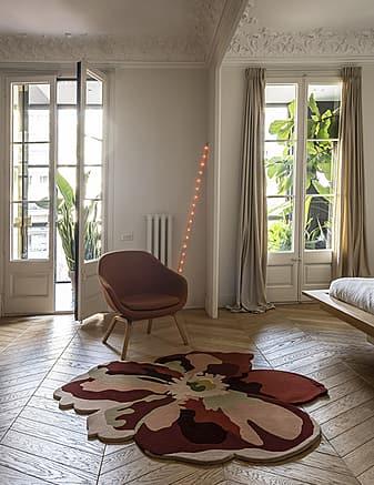 tappeto modenro Flora Bloom 2 dell'artista Santi Moix prodotto dall'azienda Nanimarquina